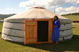 Building a yourta in Mongolia